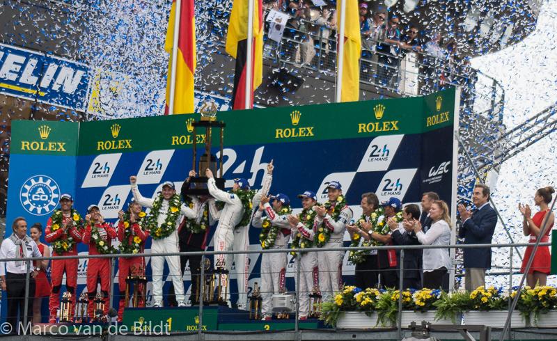 Podium 24 uur van Le Mans 2015 winnaar Porsche 2, Porsche 3, Audi